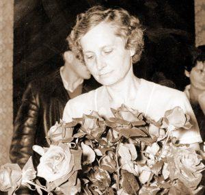 Irena Gołębiowska, Polskie Towarzystwo Miłośników Róż
